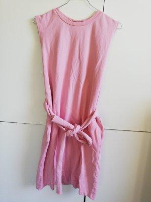 Geschnürtes Kleid mit Rückenausschnitt 36