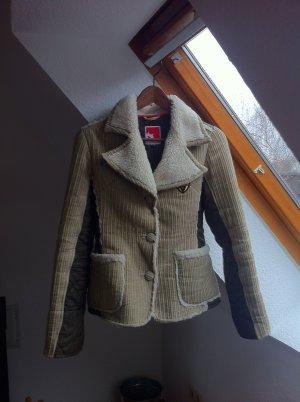 Gesteppte Jacke mit Fell von Gsus - perfekt für die Übergangszeit!