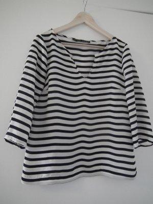 Gestreifte Bluse in Seidenoptik von Zara