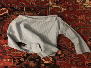 Gestreifte Bluse von Zara mit asymetrischen Ausschnitt