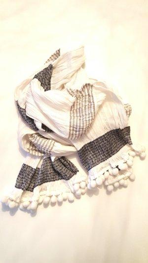 Gestreifter wunderschöner Schal