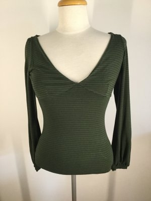 gestreiftes grünes Langarmshirt