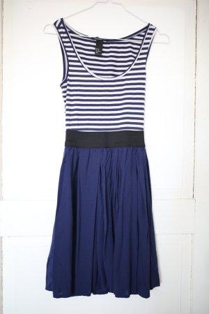 Gestreiftes Kleid in Marineoptik Gr.34