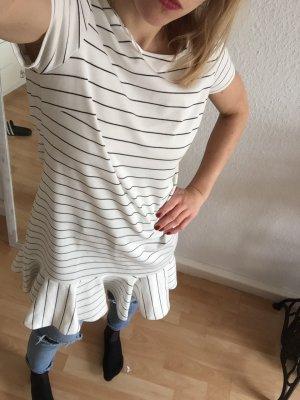 Gestreiftes Kleid mit Schößchen