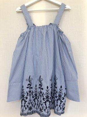 gestreiftes Kleid mit Stickerei