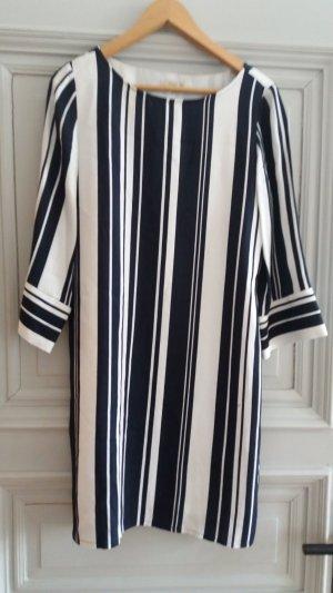 Gestreiftes Kleid Schwarz / Weiß