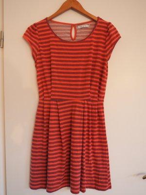Gestreiftes Kleid von ONLY