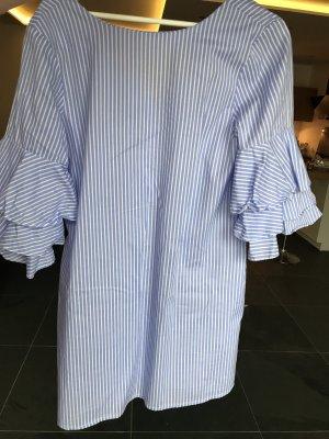 Gestreiftes Kleidchen