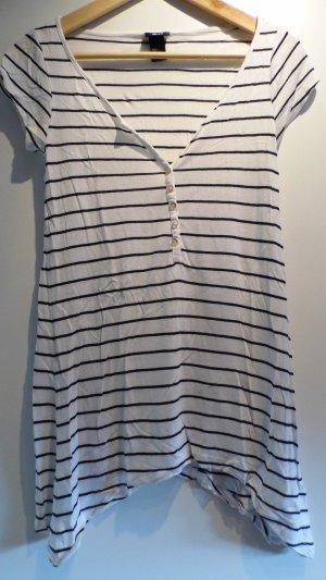 Gestreiftes längeres T-Shirt