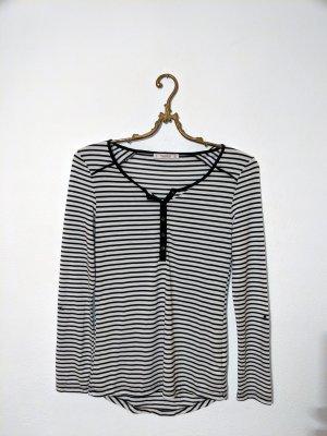 Gestreiftes schwarz weißes Langarmshirt