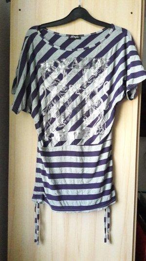 Gestreiftes, sehr lockeres Shirt
