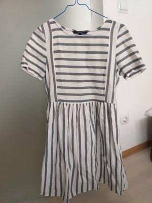 Gestreiftes Sommerkleid