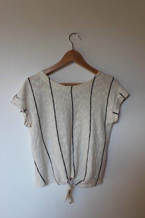 gestreiftes, sommerliches T-Shirt