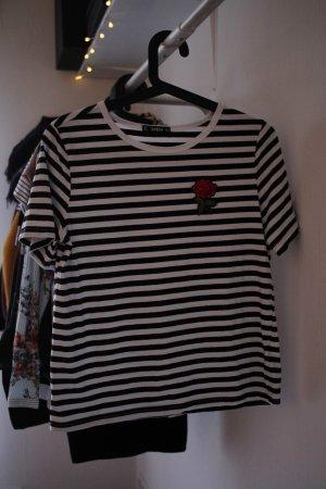 Gestreiftes T-Shirt mit Rosenpatch