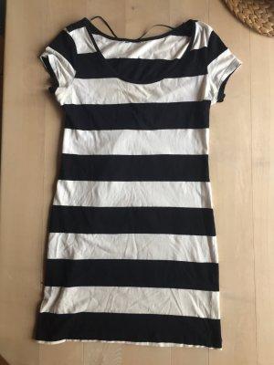 Gestreiftes TShirt Kleid von H&M
