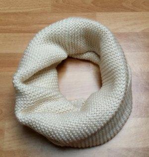 gestrickter Schal Schlauchschal in beige von H&M