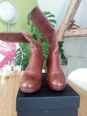 getragener, aber gut erhaltener VAGABOND Plateau-Stiefel