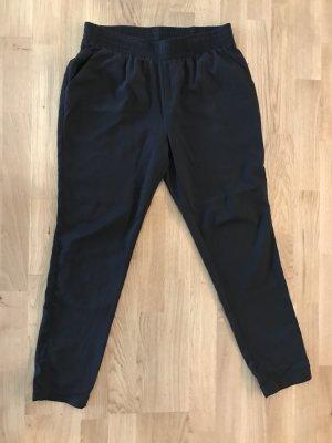 Geynedds schwarze Hose