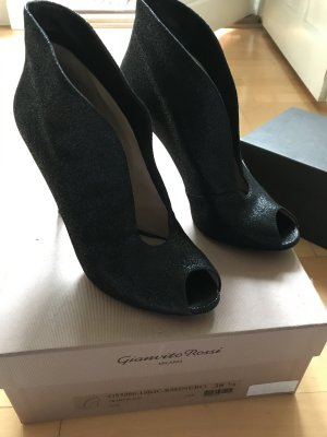 Gianvito rossi Peep Toe Pumps black