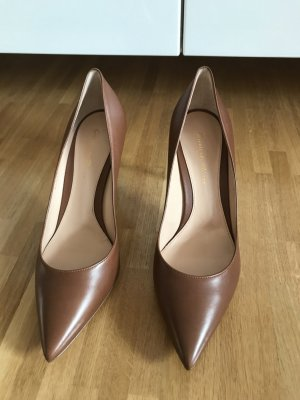 Gianvito rossi Pointed Toe Pumps brown-cognac-coloured leather