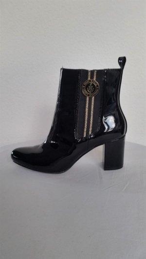 Gigi Hadid x Tommy Hilfiger Zipper Booties black leather