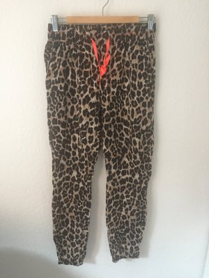 Gina Tricot Hose mit Leopardenmuster