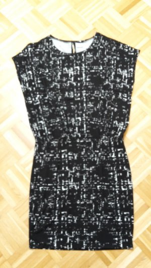 Gina Tricot Kleid in M/L