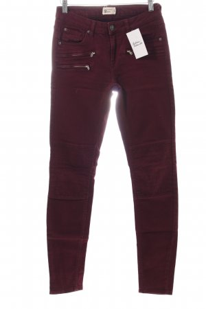 Gina Tricot Röhrenjeans brombeerrot Casual-Look
