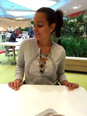 Gina Tricot Schnür Pullover