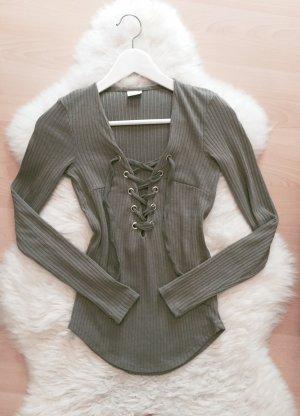Gina Tricot Shirt Schnürung Pullover Lace Up Top Shirt Gr.XS