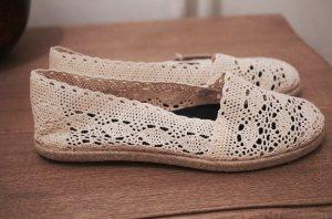 Gioseppo Häkel Slipper handmade in Spain Schuhe weiß natur 39 NEU mit Etikett