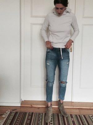Girlfriend Jeans Destroyed