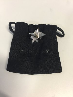 Givenchy Broche color plata metal