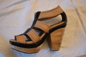 Mango Plateauzool sandalen zandig bruin