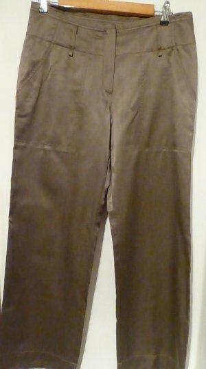 Glänzende bronzefarbene Hose für viele Gelegenheiten