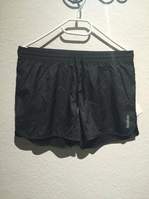 Glänzende neue Reebok Sport Shorts