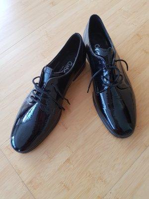 Glänzende Schuhe von Gabor
