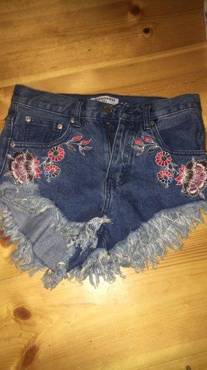 Glamerous Shorts mit schönem Muster