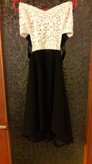 Glamorous Schulterfreies Kleid