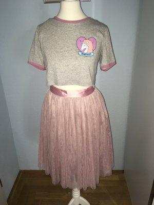 GLAMOROUS T-Shirt und ein Tüllrock, Größe 34.
