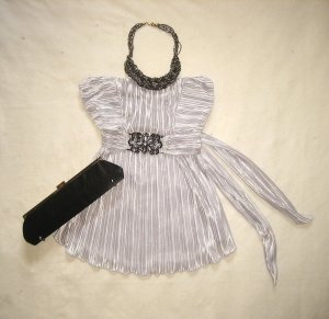 Glamour-Top silber mit Strassbrosche
