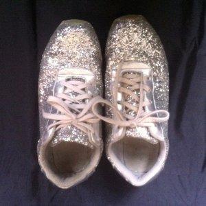 Glamouröse Pailletten- Sneakers