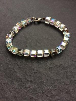 Glassteinchen Armband