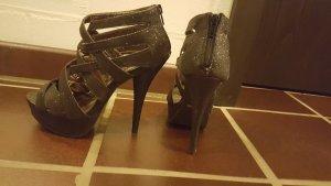 Forever 21 Strapped High-Heeled Sandals black