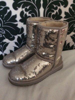 ugg boots classic cardy grau