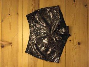 Glitzer Shorts, eleganter Schnitt