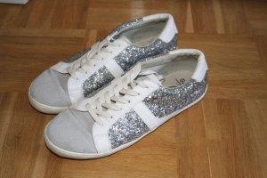 Glitzernde Sneaker von Gaudi