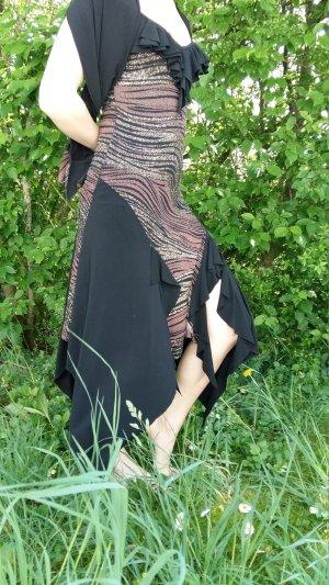 Glitzerndes anmutig fallendes Kleid