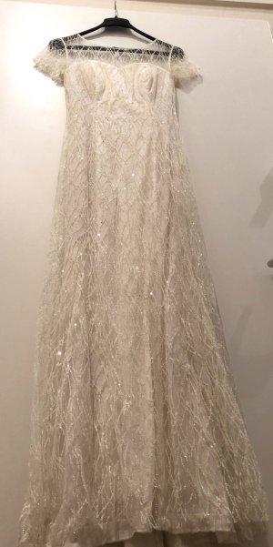 Glitzerndes Ballkleid oder Brautkleid