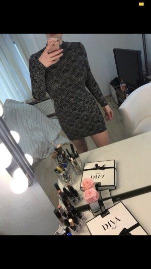 Glitzerndes Kleid